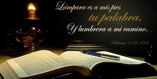 Biblia-Lampara es a mis pies-Imagenes-de-Jesus.com